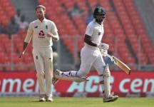 Stokes Gets Kohli Leaves India Innings In Disarray