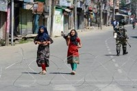 Kashmiris Are Disappearing From WhatsApp Groups Amid Internet Shutdown