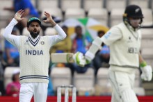 Bad Light Forces Early Stumps; New Zealand Dominate India