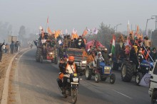 Republic Day Tractor Rally: Tear Gas, Lathicharge At Singhu Border As Farmers Break Barricades