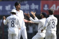 Day-Night Test, Day 1: Ishant Fifer Sets Up India's Dominance