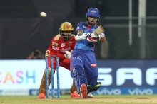 Dhawan, Smith Keep Delhi Ticking After Shaw's Exit