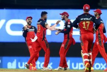 Siraj Gets Saha, Sunrisers On Backfoot