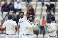 India Take Quick Wickets As Kane Williamson Holds Kiwi Fort