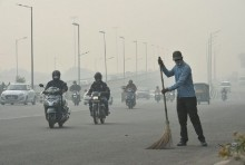 Delhi's Air Quality Worsens, Several Areas Enter 'Severe' Zone
