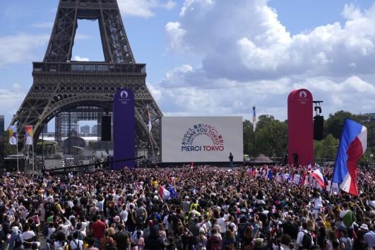 Paris Calling...