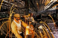 Economic Slowdown: Steepest Fall In Industrial Production In 8 Years
