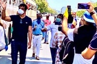 Won't Rest Until The Last Migrant Reaches Home: Sonu Sood