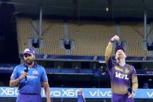 Unchanged KKR Bowl First, De Kock In For MI