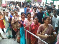 Lok Sabha Elections 2019 LIVE: EVM Glitches Mar Polls In North And South Kolkata