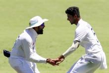 4th Test, Day 1: Sundar Gets Smith, Saini Injured
