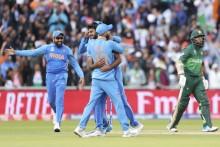ICC World Cup 2019, IND Vs PAK: Kuldeep Yadav Rocks Pakistan (126/3) With Quick Strikes