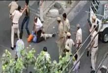 Delhi: Police Beat Auto Driver, He Pulls Out A Sword And Retaliates -- VIDEO
