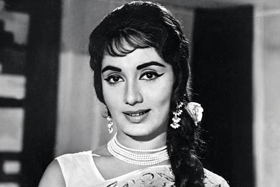 Sadhana Shivdasani, Bollywood Heartthrob