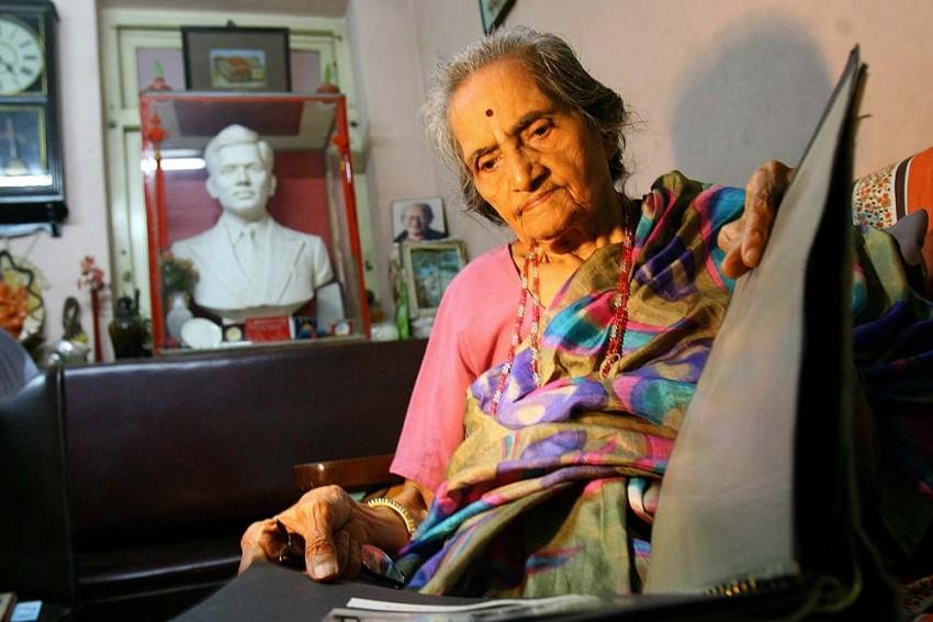 Manorama Kotnis, Hindi-Chini Behen