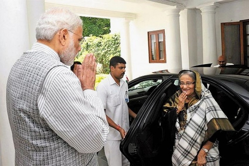 Will Delhi Fog Hold Up Hasina Visit, Spoil Joint Indo-Bangladesh Victory Day Celebration?