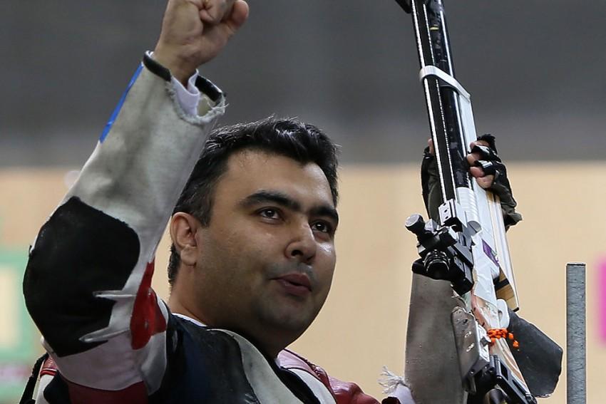 A Shooter Bonds With His Gun