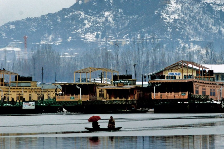 Kashmir Is As Safe As Any Other Place, Travel Advisory Should Be Reconsidered, Says Author Of Travel Books Garry Weare