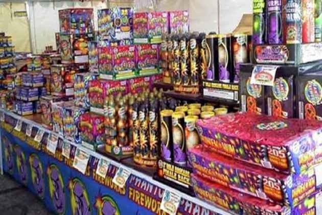 Traders Move SC Seeking Modification Of Order Banning Sale Of Crackers In Delhi-NCR