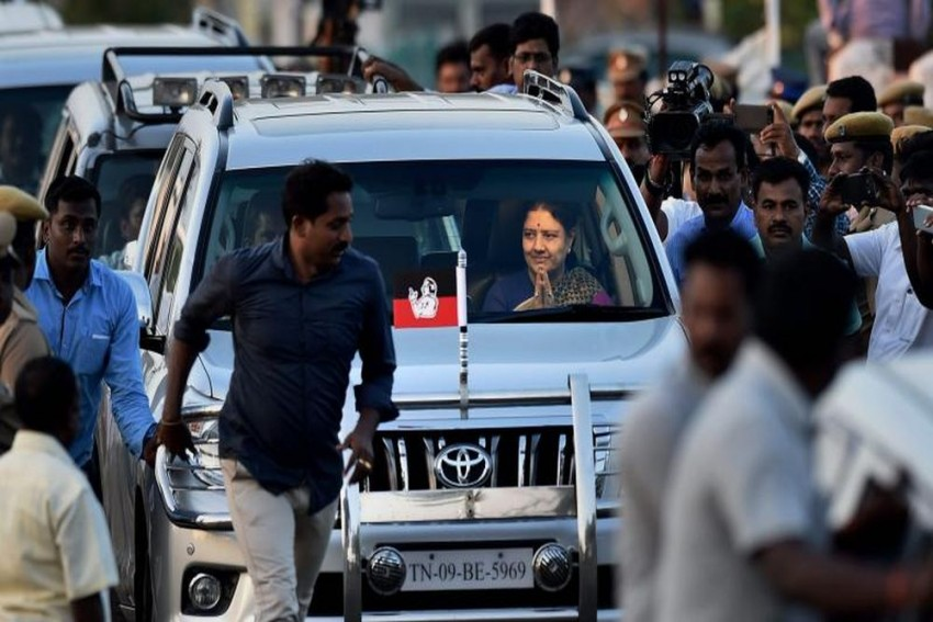 Sasikala's 5-Day Parole Ends, Leaves For Bengaluru Jail