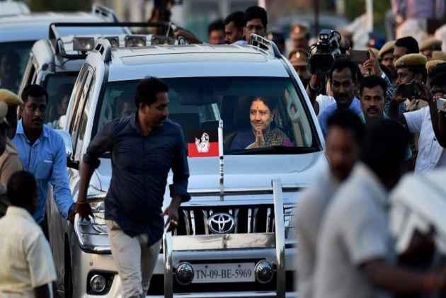Sasikala's 5-Day Parole Ends, Leaves For Bengaluru Jail