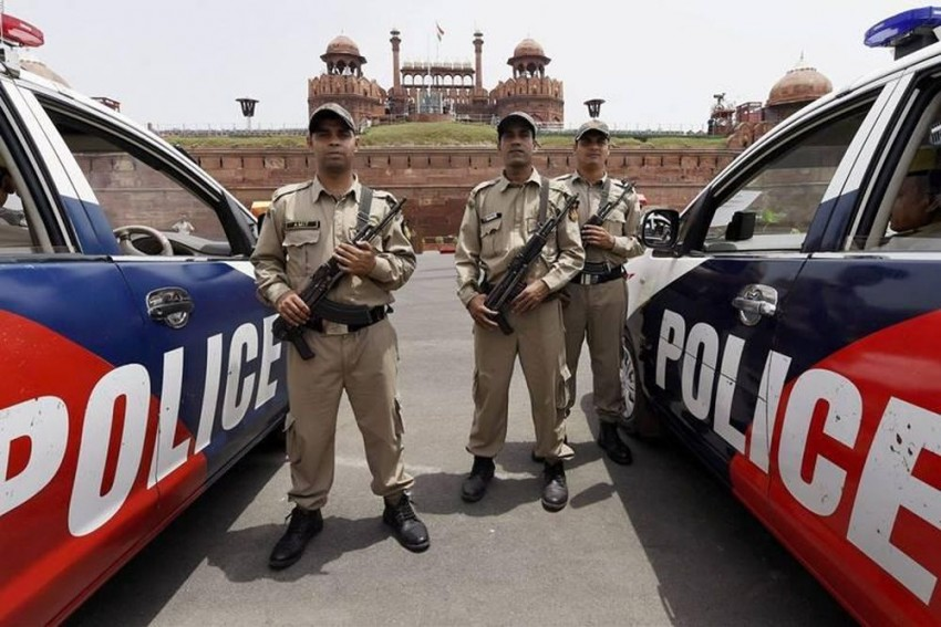 Every Month, Delhi Police Lose One Cop Due To Depression, Erratic Working Hours, Financial Issues