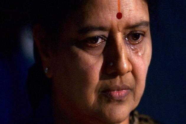 Sasikala Applies For 15-Day Parole To Visit Her Ailing Husband Natarajan