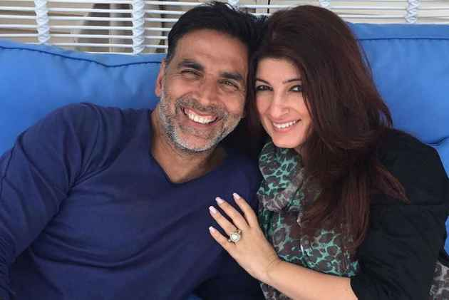 Wife Twinkle Khanna Defends Akshay Kumar's Controversial 'Bajao' Comment, Here's Her Statement