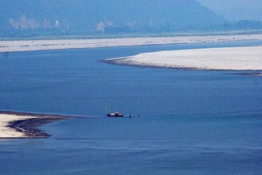 China Mulls World's Longest 1,000-KM Tunnel To Carry Brahmaputra Water From Tibet To Xinjiang