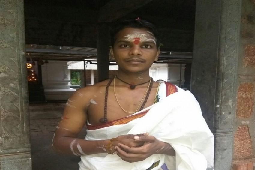 Yedu Krishna- Meet The First Dalit Priest Recruited By Travancore Devaswom Board of Kerala