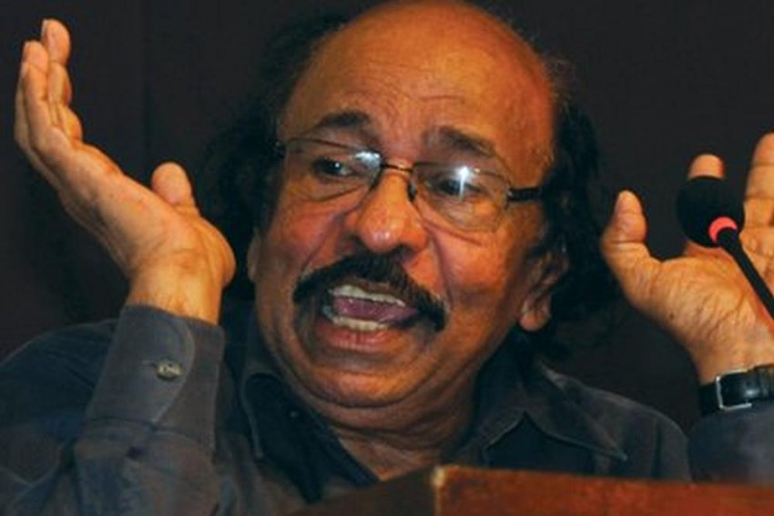 Malayalam Poet Satchidanandan Selected For Ezhuthachan Puraskaram