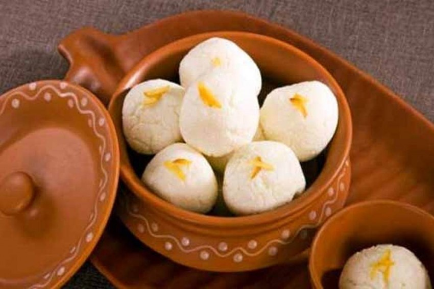 Finally, West Bengal Wins The Fight With Odisha Over Origin Of Rosogolla, Gets GI Tag