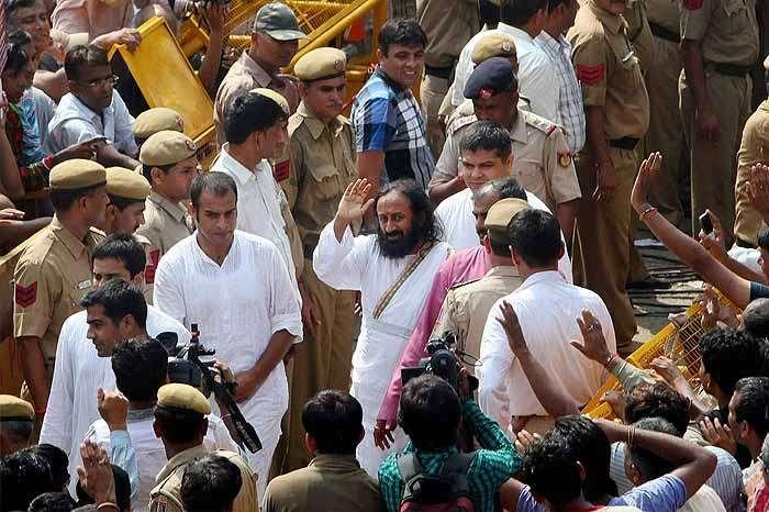 'I Am Hopeful,' Art Of Living's Ravishankar Meets Adityanath, Akhada Leaders Before Ayodhya Visit