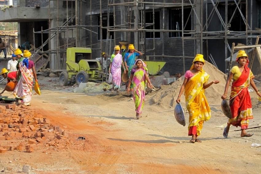 66% Of Women's Work In India Is Unpaid, Says WEF Gender Gap index