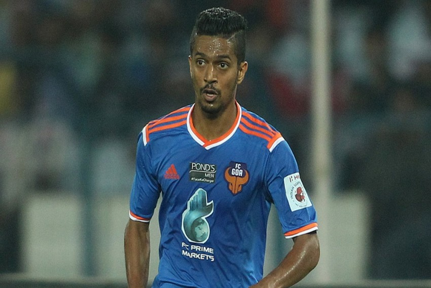 FC Goa's Mandar Rao Desai Becomes The First Indian Footballer To Score A Goal In ISL-4
