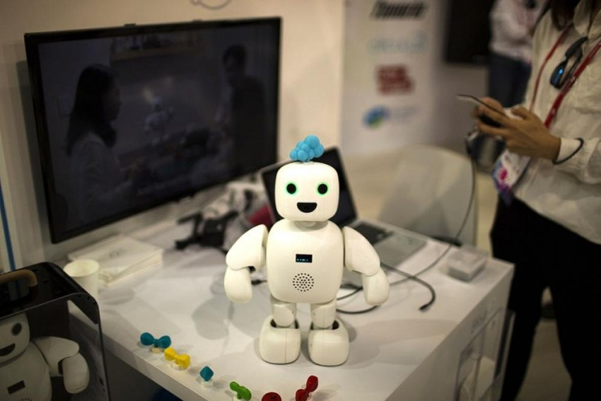 From A Robotic Arm To An App That Senses Bumpy Roads, Young Minds Showcase Innovations At The IRIS 2017