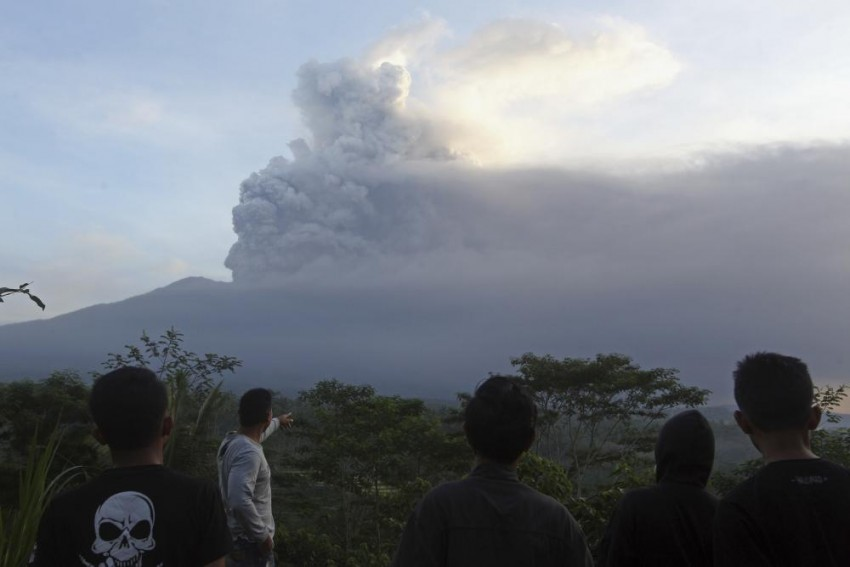 Volcanic Ash: Bali Airport To Be Closed For Third Day