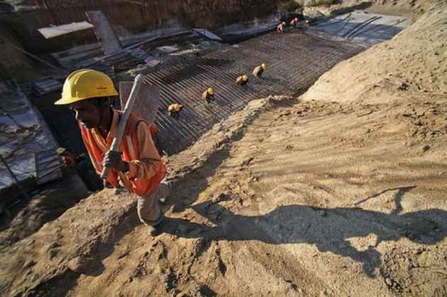 Rs 29,000 Crore Meant For Welfare Of Construction Workers Spent On Buying Laptops, Reveals CAG Report