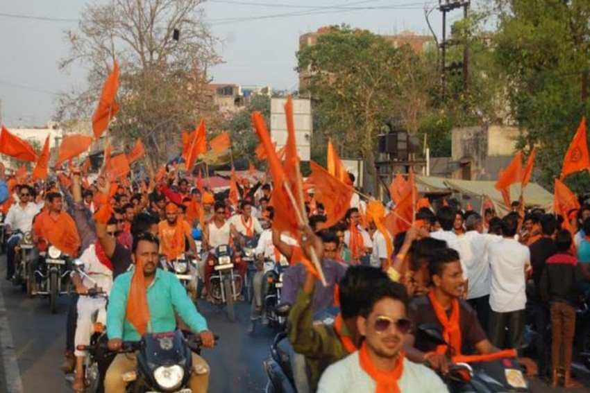 Hindu Jagran Manch Protests Against Bengali Film For Naming Characters 'Ram', 'Sita', Director Refuses To Make Changes