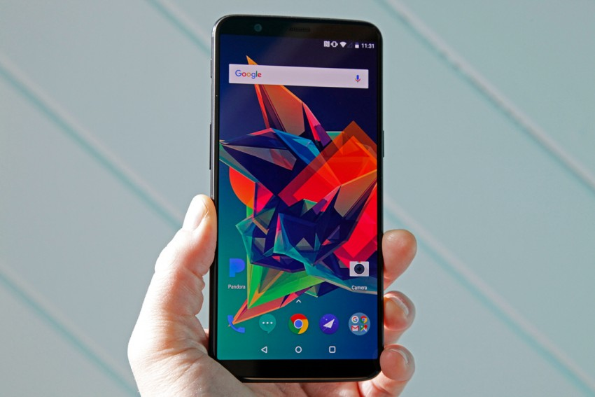 OnePlus5T Review: This Smartphone Comes With Face Unlock Feature. But Is It Worth Buying?