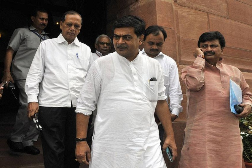By March 2019, All Homes In The Country Will Get 24-Hour Power Supply, Says Power Minister R K Singh