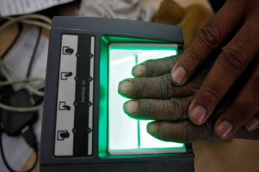 Foreign Firm Contracted For Aadhaar On FBI Radar For Installing Secret Code In US Biometric Machines