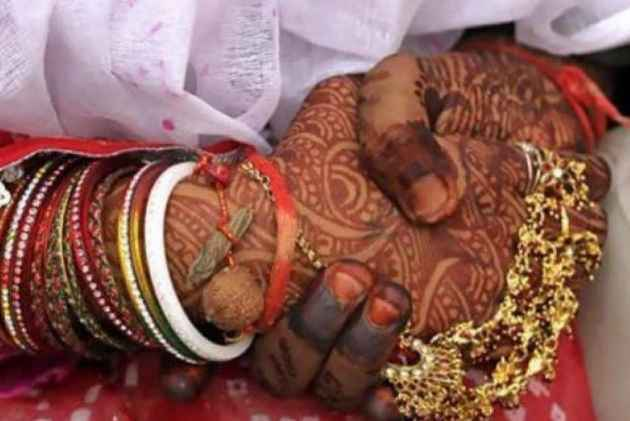 Govt To Give Rs 2.5 Lakh Incentive To Every Inter-Caste Marriage Involving A Dalit, Removes Income Cap