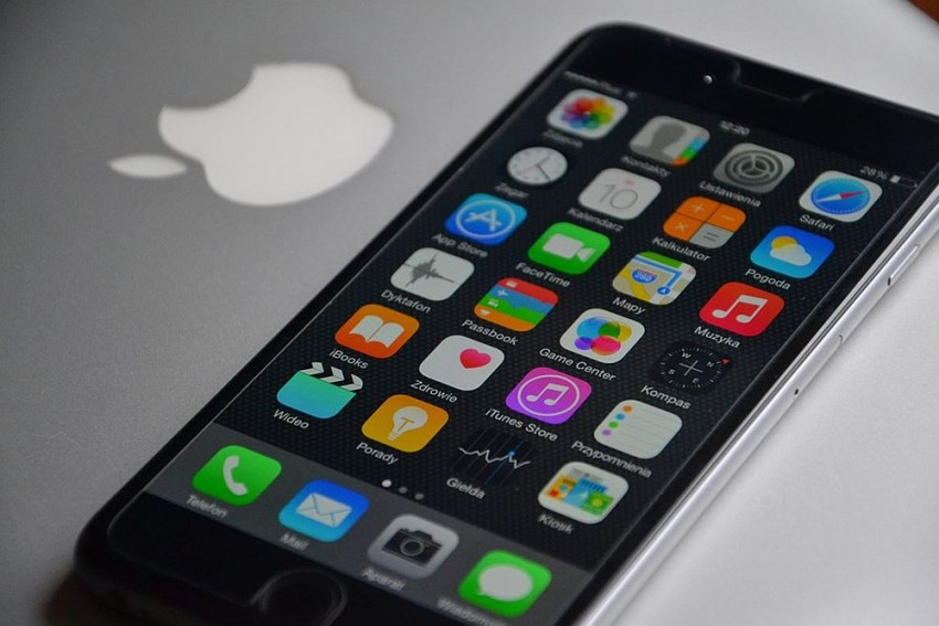 Apple To Begin Assembling Phones In Bangalore By April-End