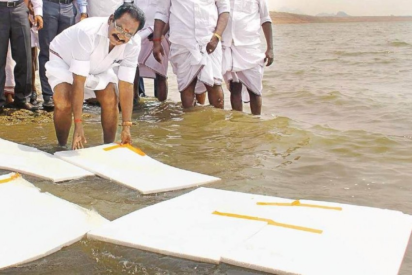 Tamil Nadu Minister Has A Brainwave: Float Thermocol To Prevent Water Evaporation In Vaigai Dam