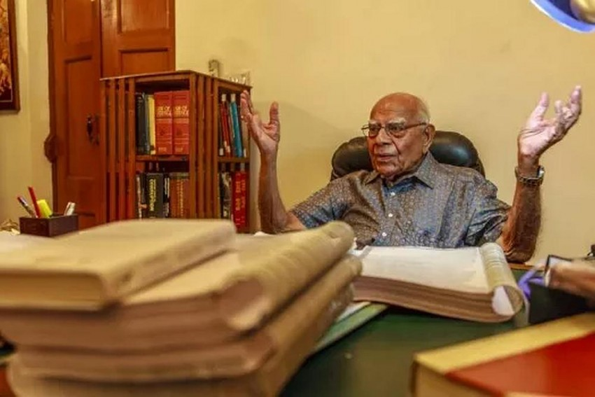 Will Treat  Kejriwal As My Poor Client, Won't Charge Him For Jaitley Defamation Case: Ram Jethmalani