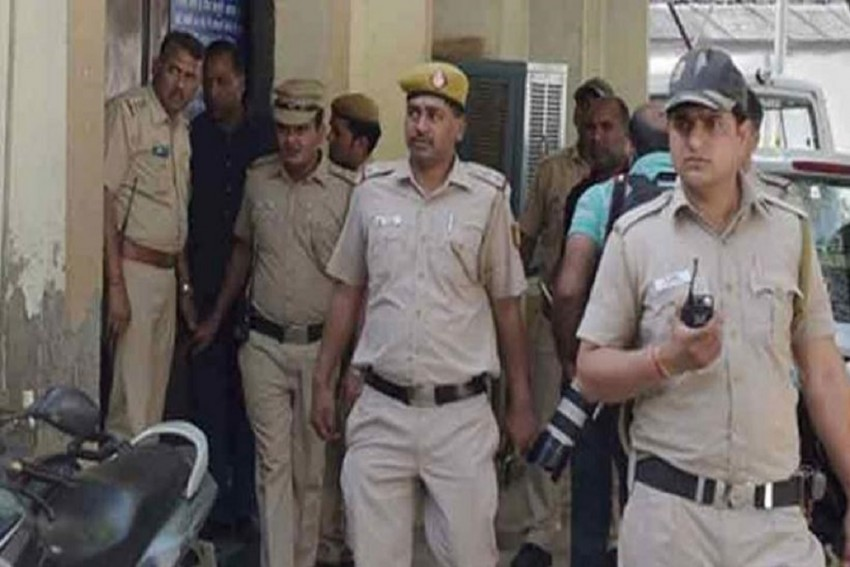 Delhi Police Arrest Gunrunner Of Sikligar Cmmunity Who Supplied Arms To Maoists And Criminals