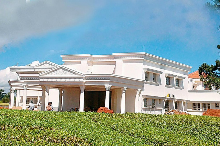 The Strange And Murky Estate Heist
