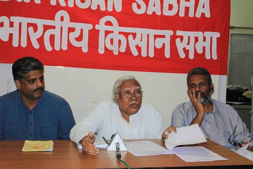 Cow Sale Ban Government's Last Nail On Farmers' Coffin, Modi Anti-Peasant PM: AIKS
