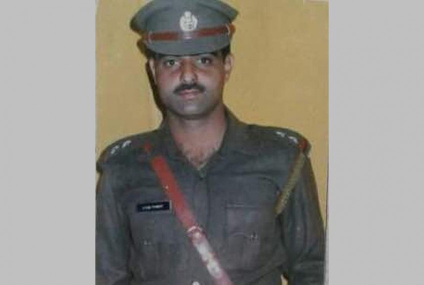 Srinagar: Police Officer Pandith Lynched By Mob Near Jamia Masjid In Nowhatta